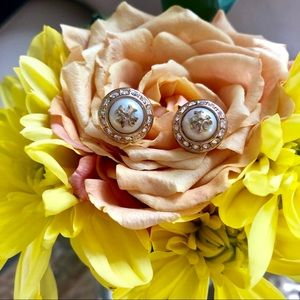 Diamond and Pearl Gold Tory Burch Earrings